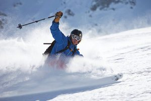 Gut durch's Saisonende: Richtige Skitechnik auf Bruchharsch