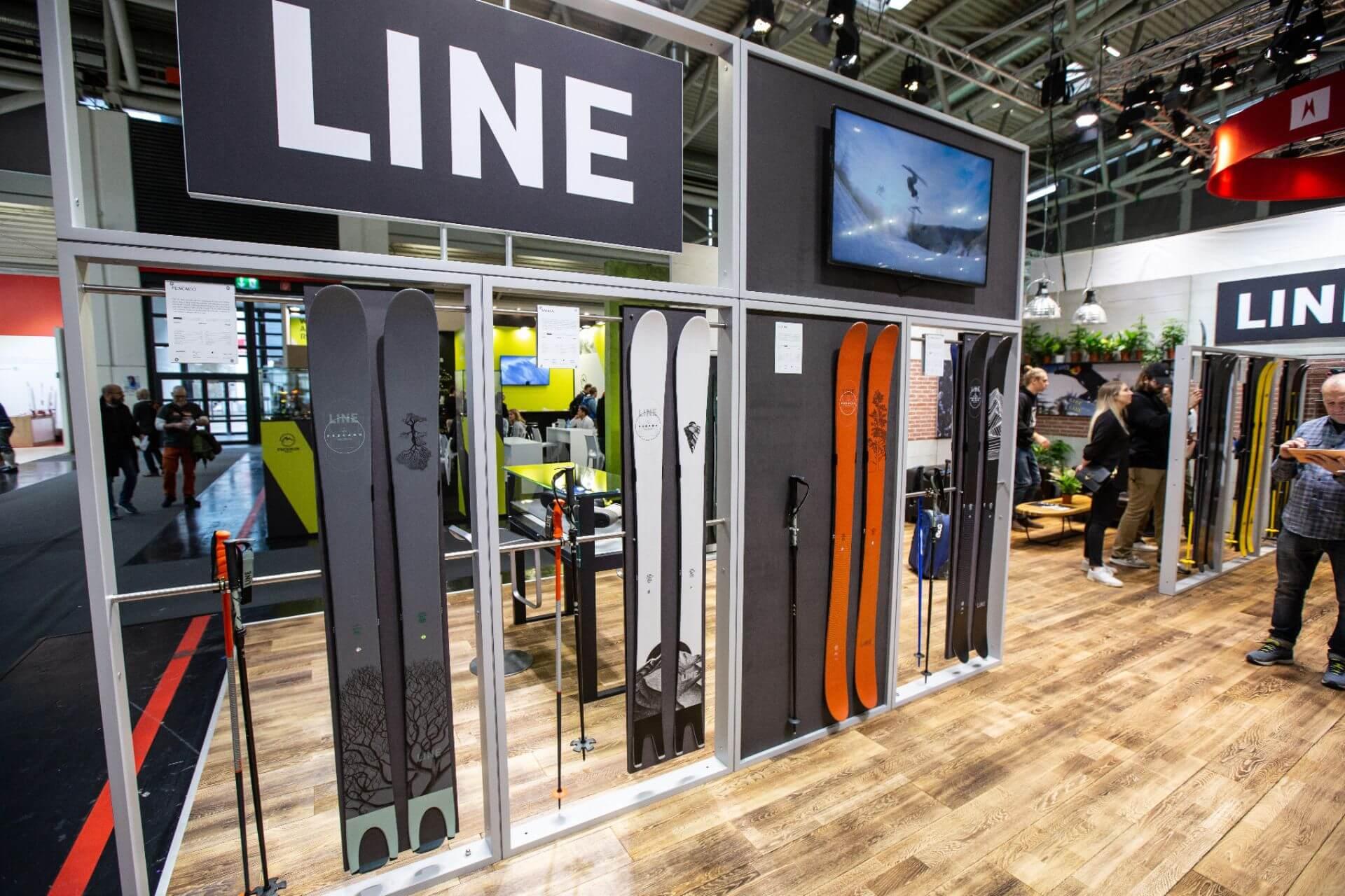 Am Stand von LINE auf der ISPO 2020