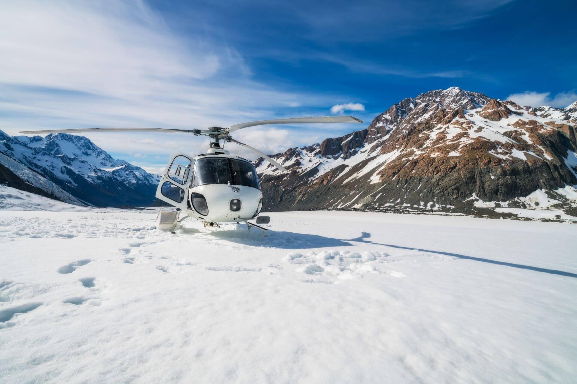 Auf den Gletscher geht es nur mit dem Hubschrauber